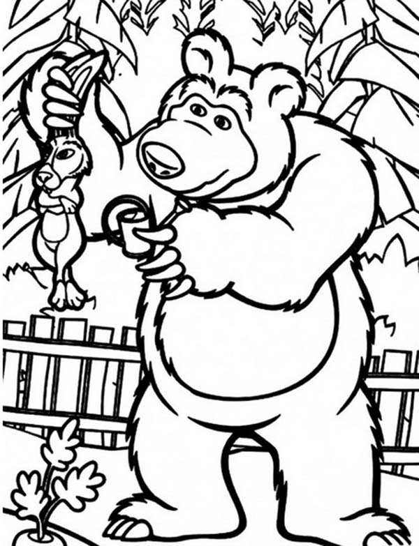 Mascha and Bear, : Mischa Catch Rabbit Stealing Carrot in Mascha and Bear Coloring Pages