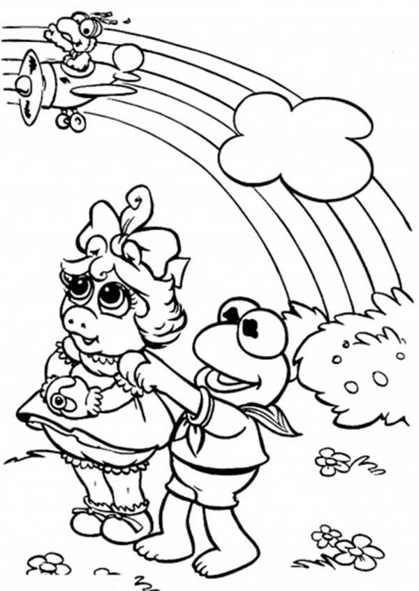 The Muppets, : Miss Piggy and Kermit the Frog Looking at the Rainbow in The Muppets Show Coloring Pages