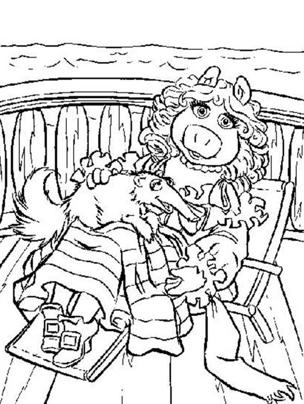 The Muppets, : The Muppets Miss Piggy Laying with her Pet Coloring Pages
