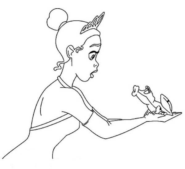 Princess and the Frog, : The Frog Want to Kiss Princess Tiana in Princess and the Frog Coloring Pages