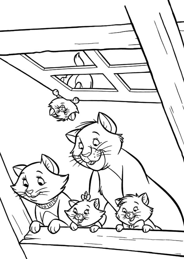 Aristocats, : The Aristocats Peek from Window Coloring Pages