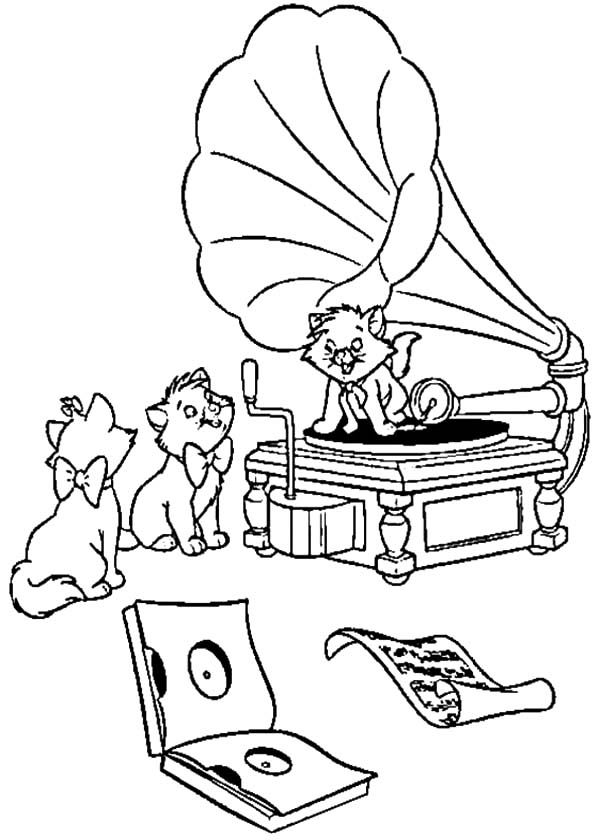 Aristocats, : The Aristocats Playing Song with Gramophone Coloring Pages