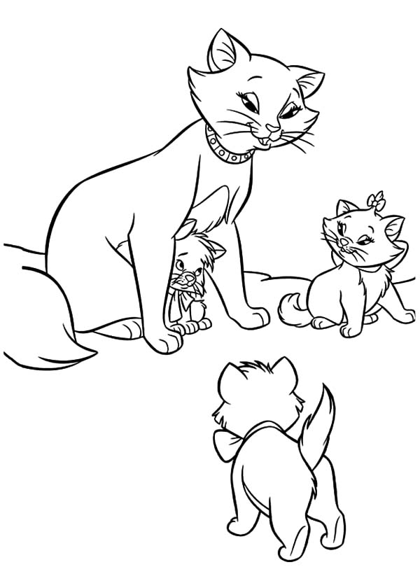 Aristocats, : The Aristocats Toulouse Hiding Under His Mother Body Coloring Pages